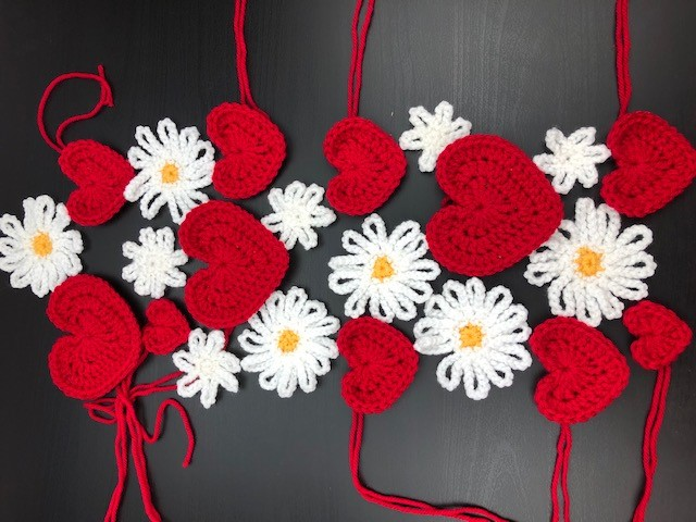 hearts and flowers scarf layout